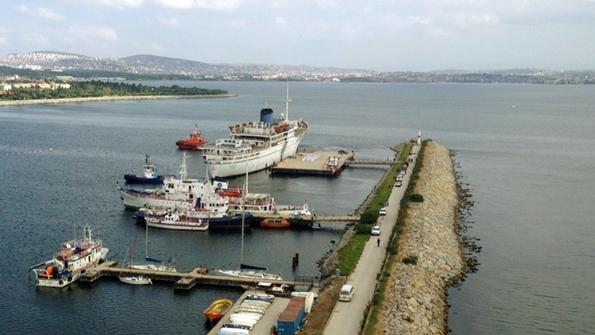 MV Akdeniz Eğitim Gemisi (1)