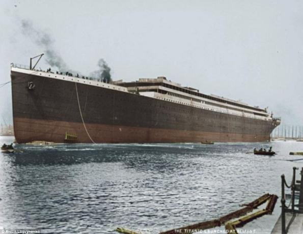 Siyah&Beyaz Titanic 'in Renklendirilmesi 13